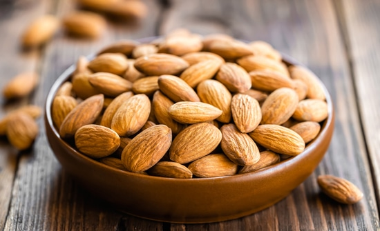 Foods That Give Energy Without Caffeine almonds