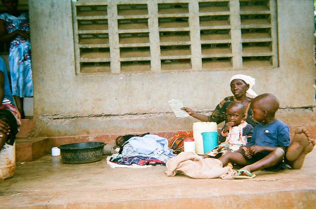 coffee farmers in Uganda woman and kids