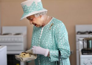who first made cookies for the Queen of England?